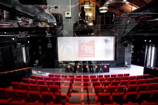 Sala deluxe casa del cinema - Realizzare sala cinema in casa ...
