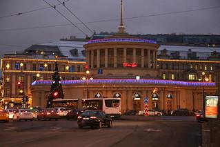 Ploshchad Vosstaniya Metro