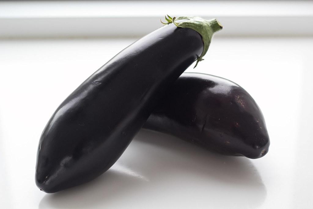 Grillet aubergine med smeltet ost og tomatsalsa (1)