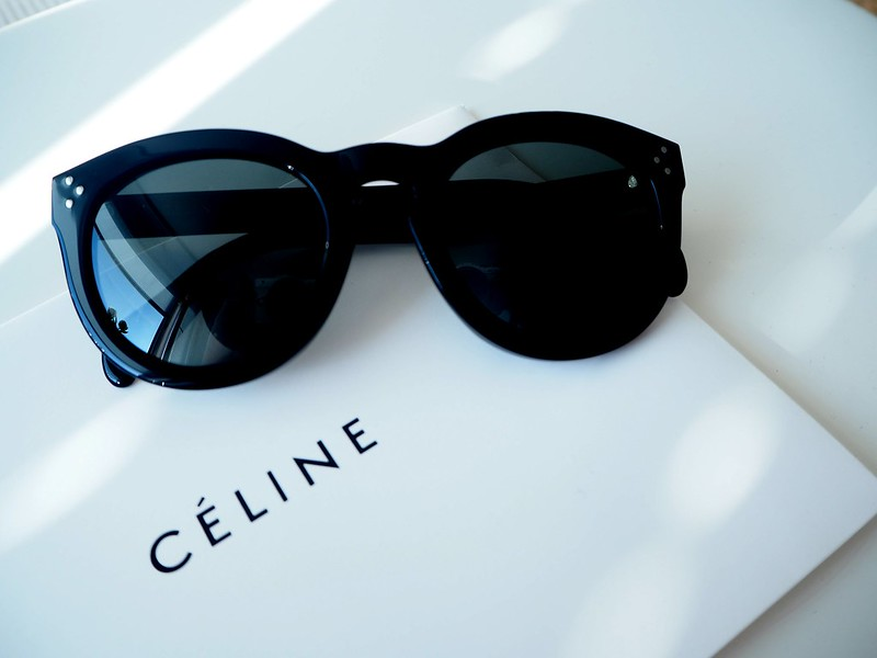 celinesunnies7,celinesunnies6, sunnies, sunglasses, aurinkolasit, celine, céline, preppy, celine preppy, muotitalo, ranskalainen, france, ostokset, shopping, sunglasses shop, asusteet, accessories, fashion, muoti, design, uv-suoja, polarisoidut, linssit, polarized, black, preppy model, preppy malli, stylish, finest, elegant, new, uudet, arvostelu, kokemukset, mitä mieltä, retrp, uniikki, muotoilu, handmade, käsintehty, kolme sarananiittiä, asetaatti, celine muotitalo, suostituimmat, most popular, celine logo, gold,