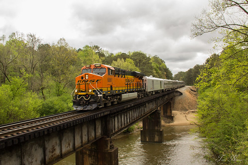 santa railroad bridge car burlington train river office power ns district norfolk alabama east special southern end passenger fe division foreign northern ge bnsf ocs gevo es44c4