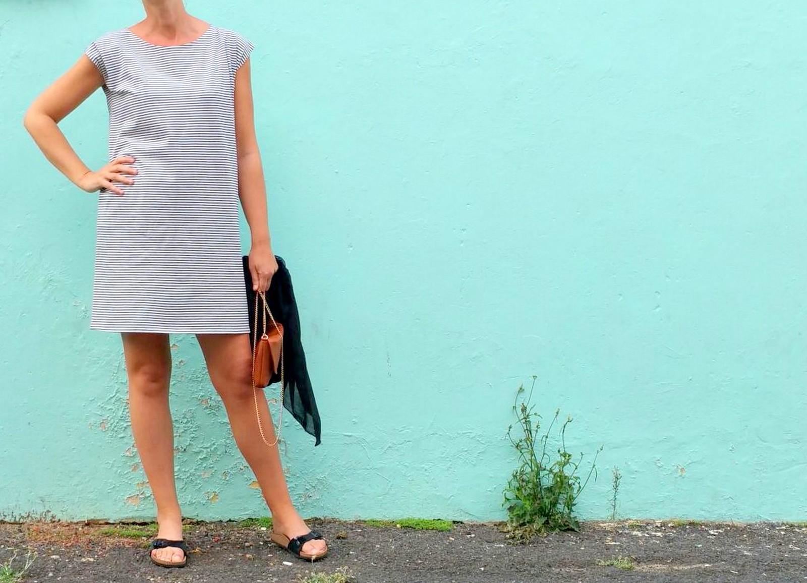 striped T-shirt dress (pale blue)
