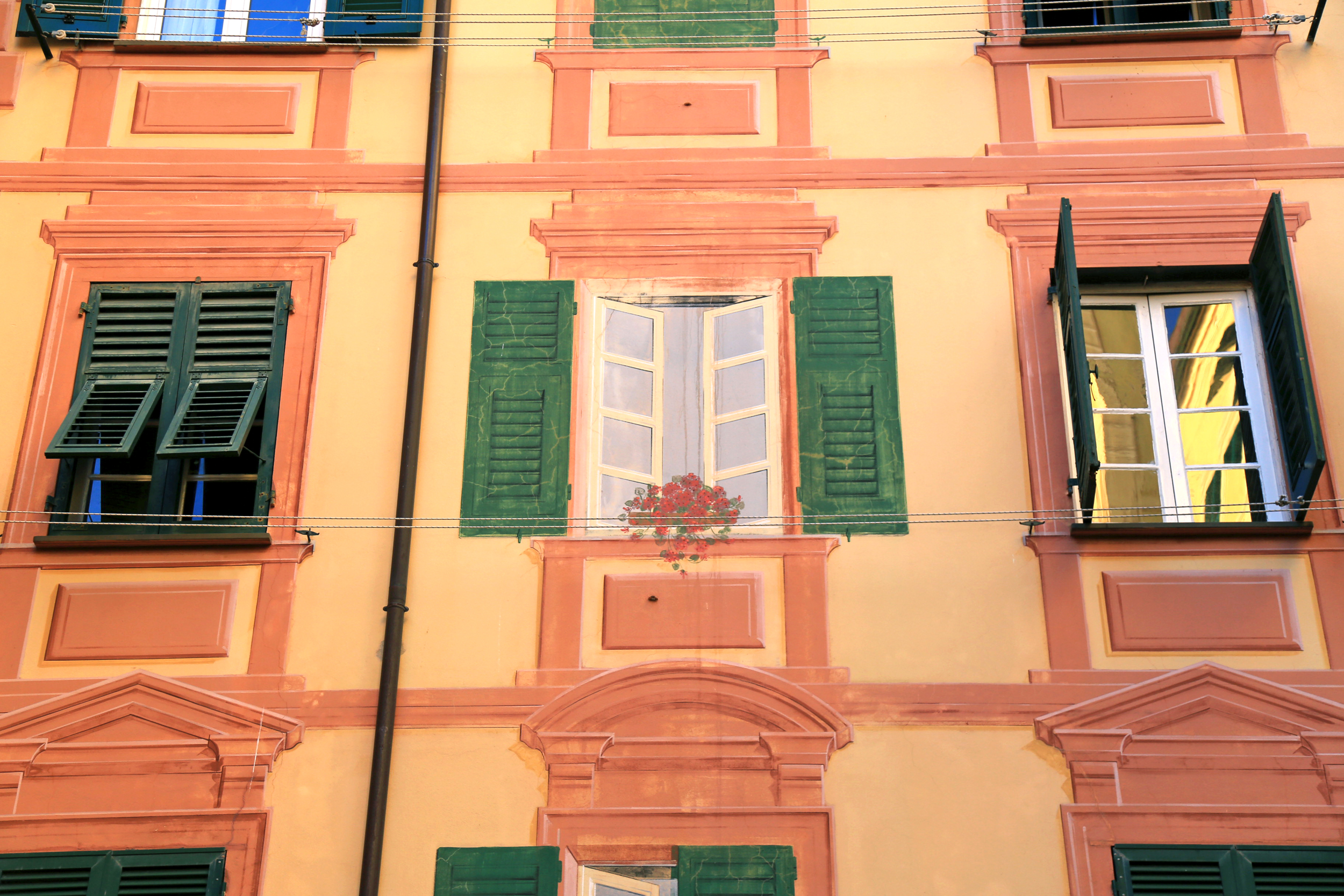 camogli window decoration