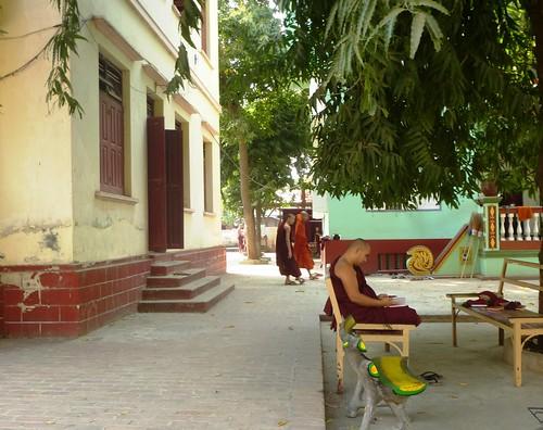 M16-Mandalay-Quartier des moines-Moines (3)