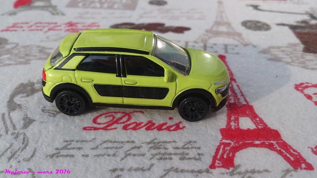 N°245C - Citroën C4 Cactus 25404785414_3e2fd824bb_z