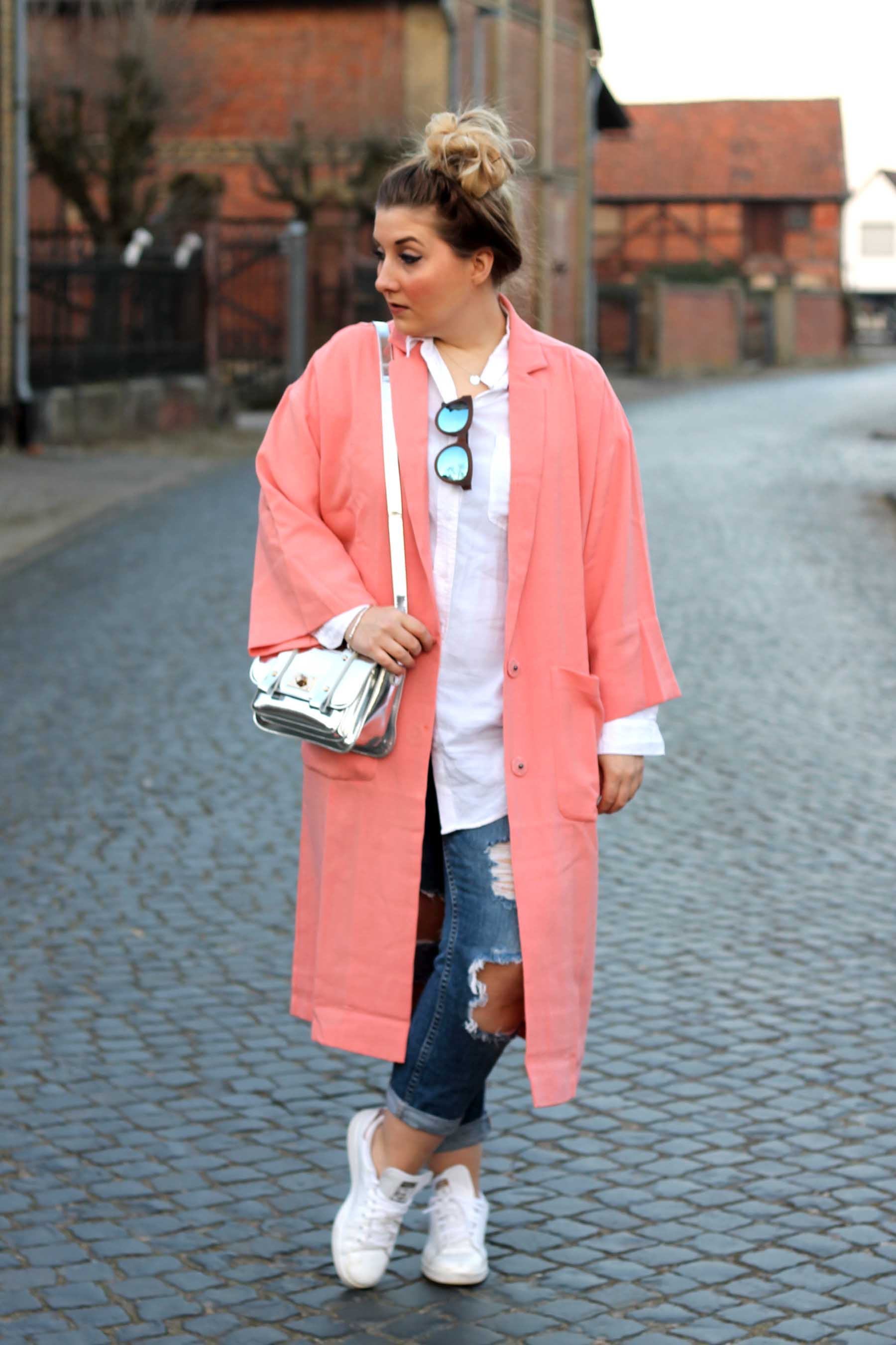 outfit-look-pinker-mantel-sneaker-adidas-stan-smith-rosegold-silberne.tasche