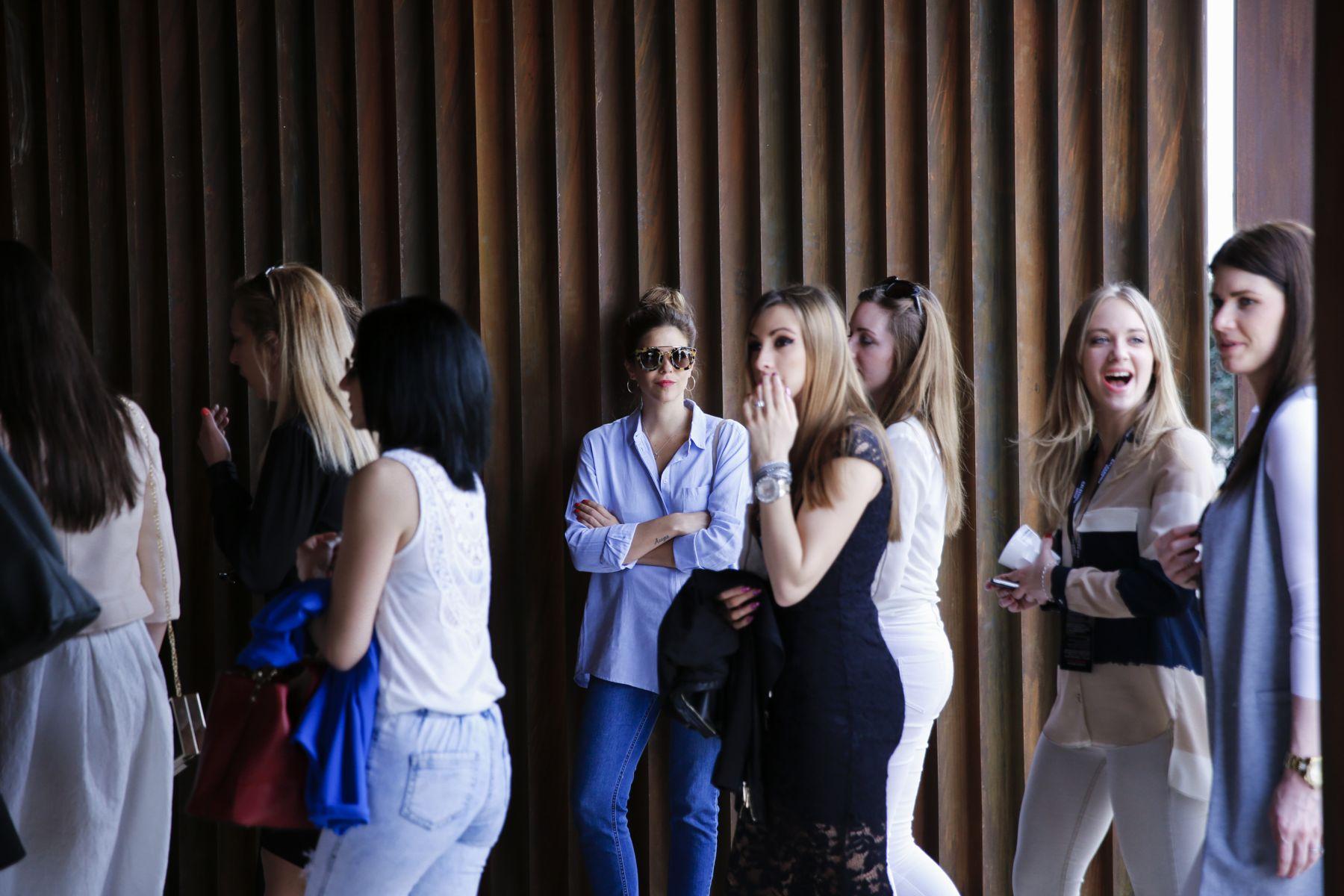 outfit look primavera spring camisa oxford zara calzedonia Yves saint laurent bolso bag prada sunglasses verona street style trendy taste_20