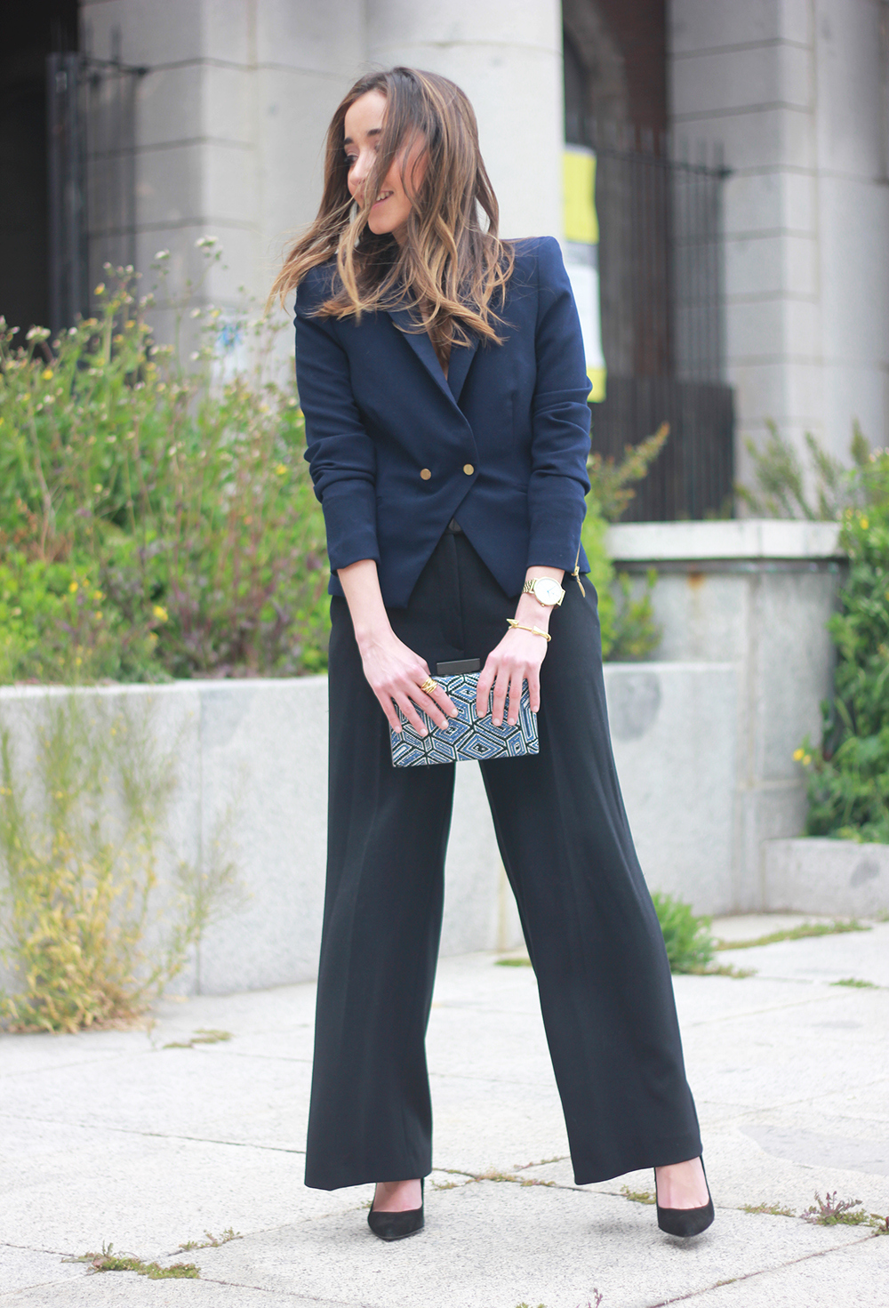 cropped trousers uterqüe clutch blazer accessories outfit style13