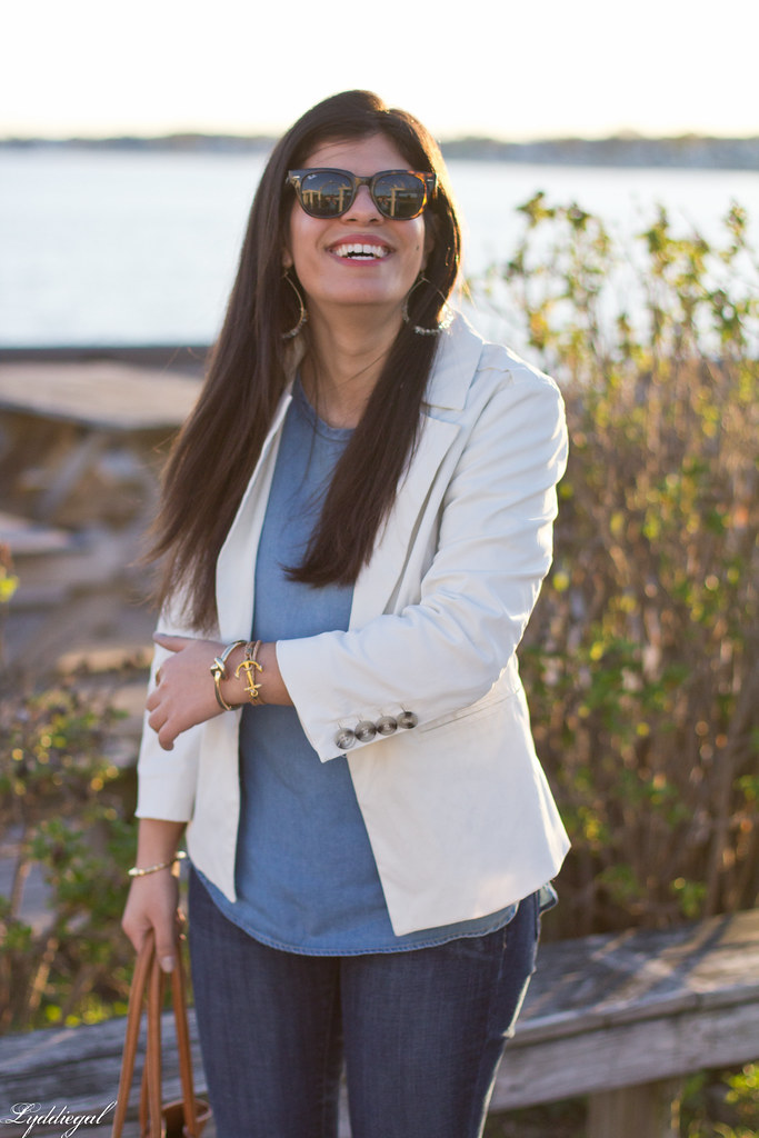 white blazer, chambray shirt, jeans, brown leather tote-4.jpg