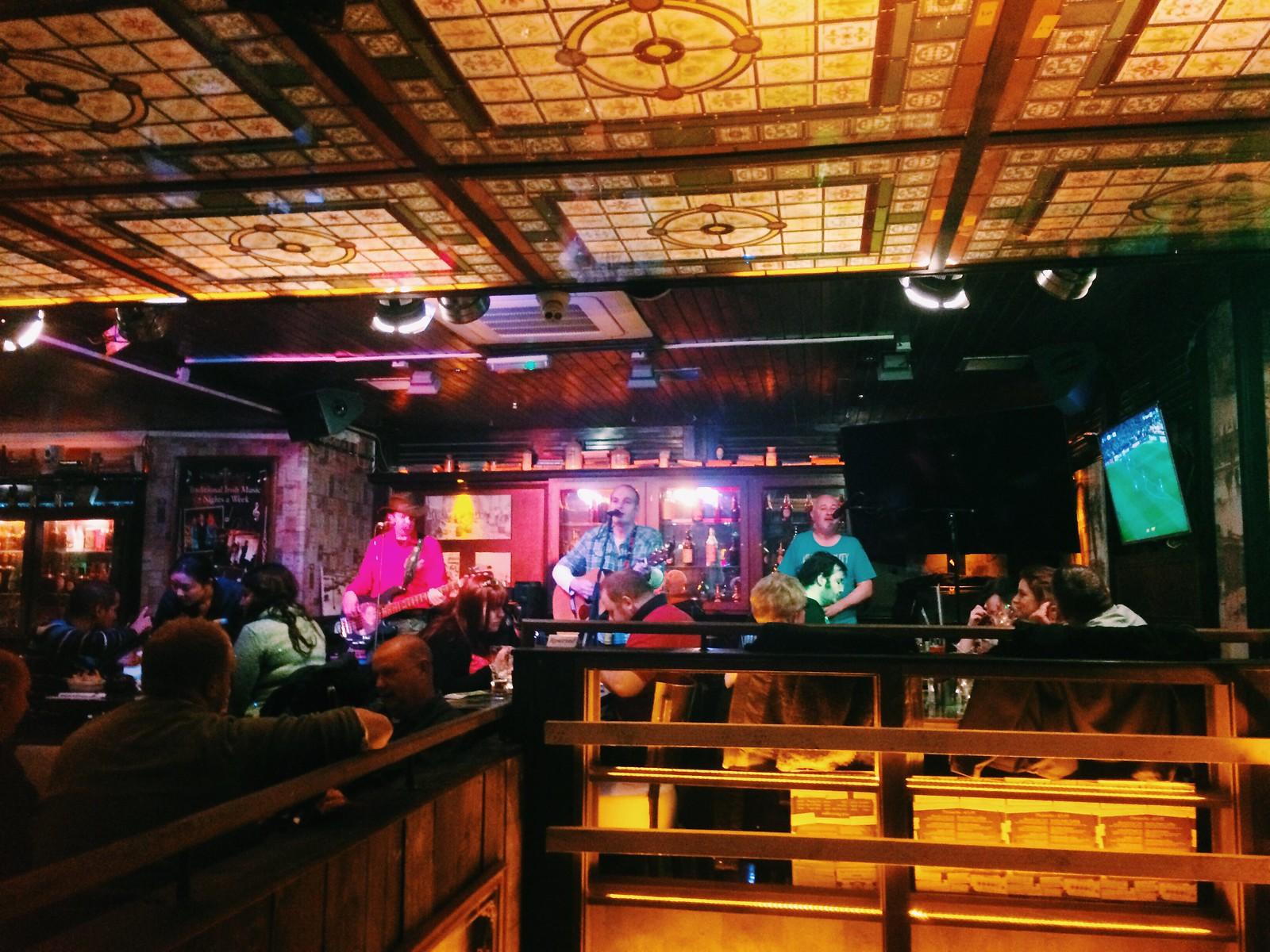 murray's bar / dublin, day 1