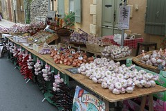 Sainte-Alvère, le marché (24, France) / Market at Sainte-Alvère