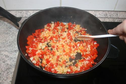 39 - Zwiebeln & Knoblauch mit andünsten / Braise onion & garlic