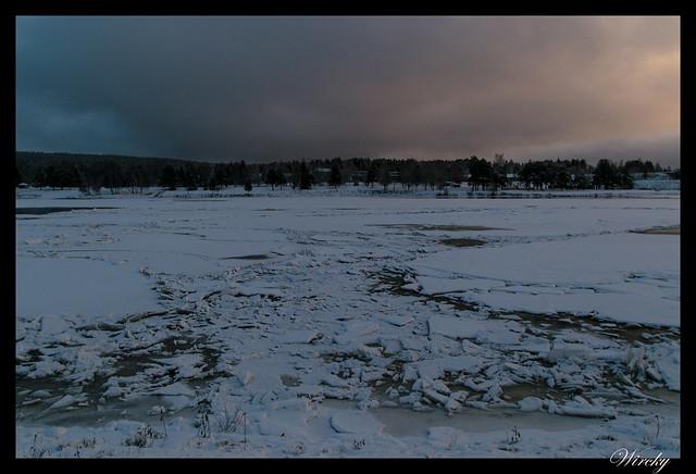 Río Kemi semicongelado