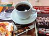 Un café durante visita al liebre.