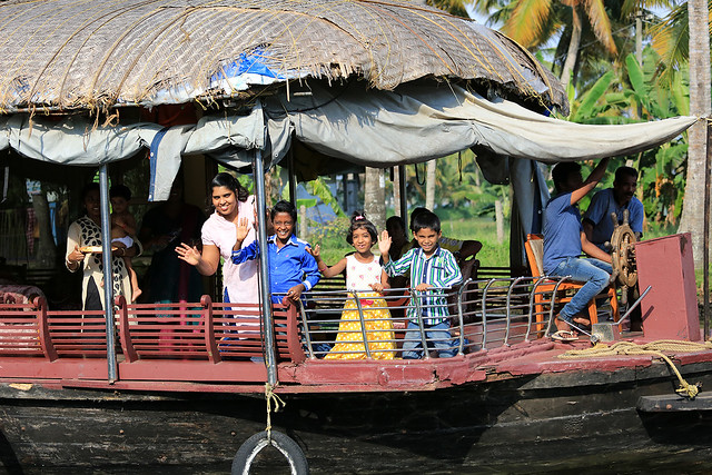 1604India-Boating8