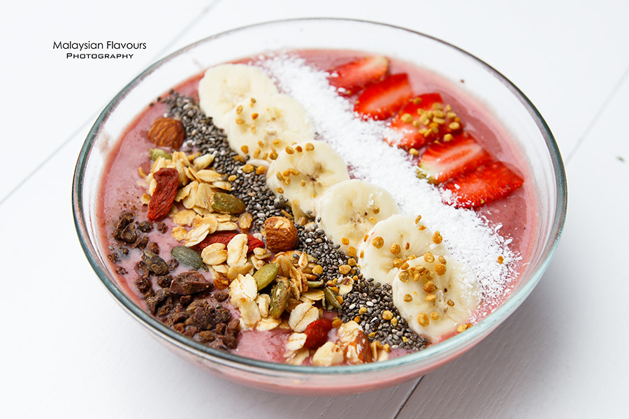 Goodness Greens Cafe by La Juiceria TTDI acai berry bowl