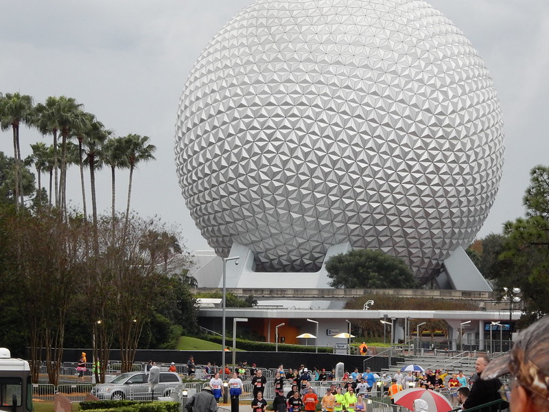 Zip-ah-de-doo-da, Zip-ah-dee-EH! Two Canadians Visit WDW for the 1st