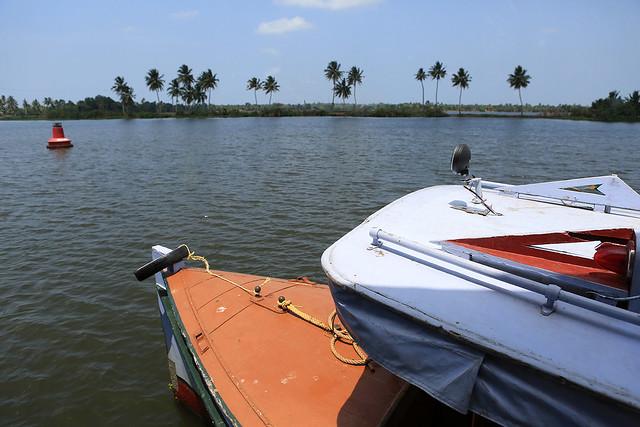 1604India-Boating1