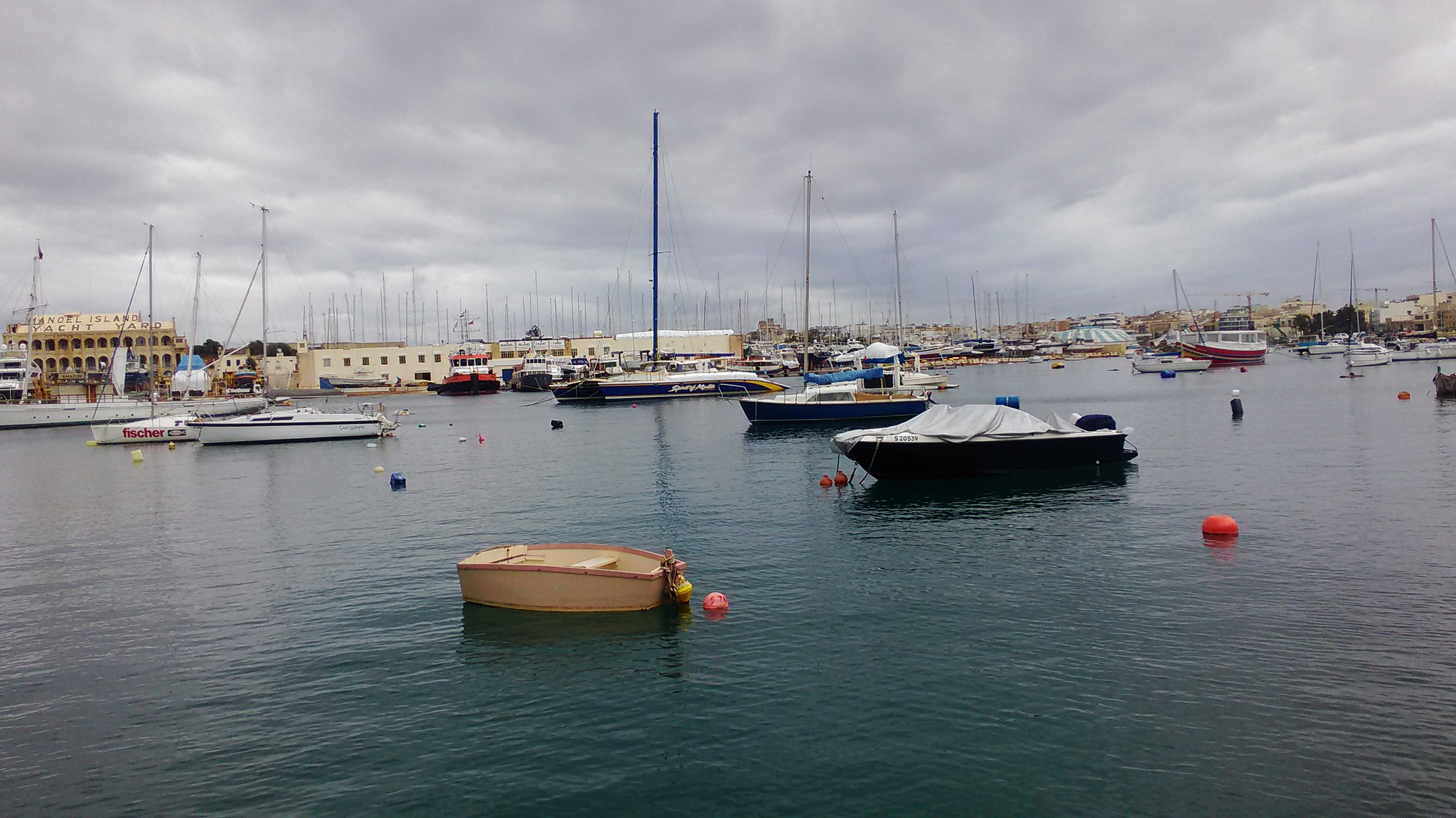 Gzira - Mignon boat!