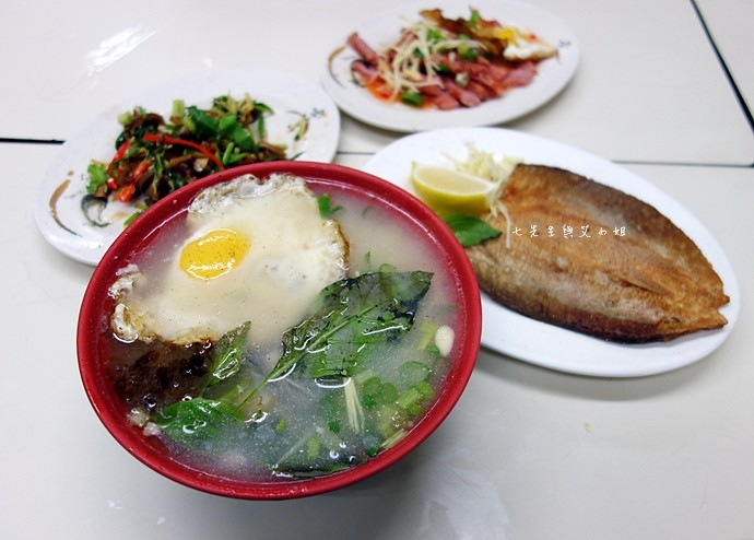 10 老五鹹粥 波霸滷肉飯