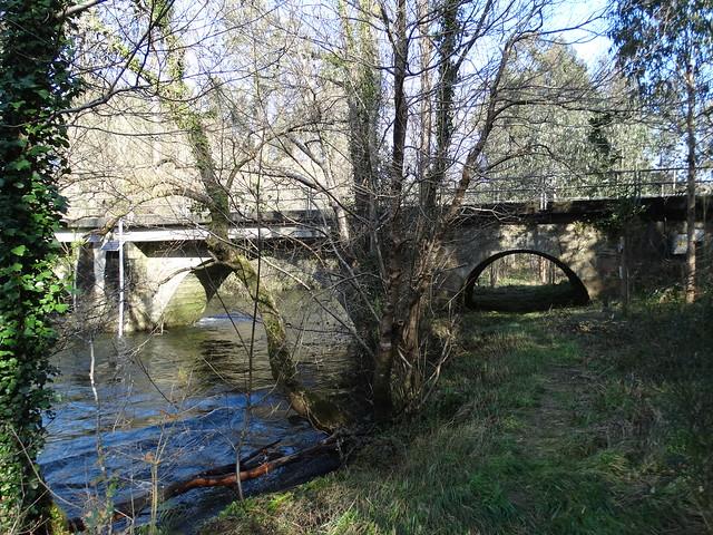 Puente Muniferral entre Aranga e Irixoa