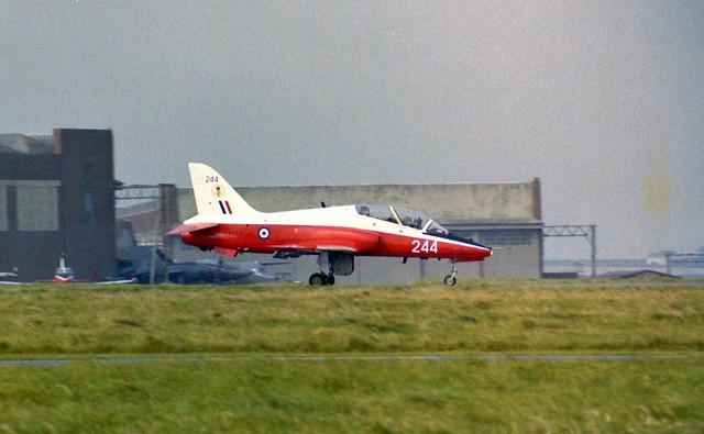 XX244/244 Hawk T.1 Arrive