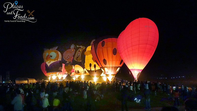 singha park international hot air balloon festival night balloons