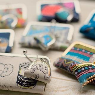 かわいいがま口いっぱい♡ 昨日の午後は、「 #縫わないがま口 ワークショップ」 #わかば工房手芸部 の youkoさんのWS。私もちゃっかり生徒で参加。教えていただきました♪ 楽しすぎます。中毒性があるので注意が必要です! #がま口 #カードケース