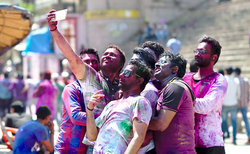 Holi: a festival of selfies