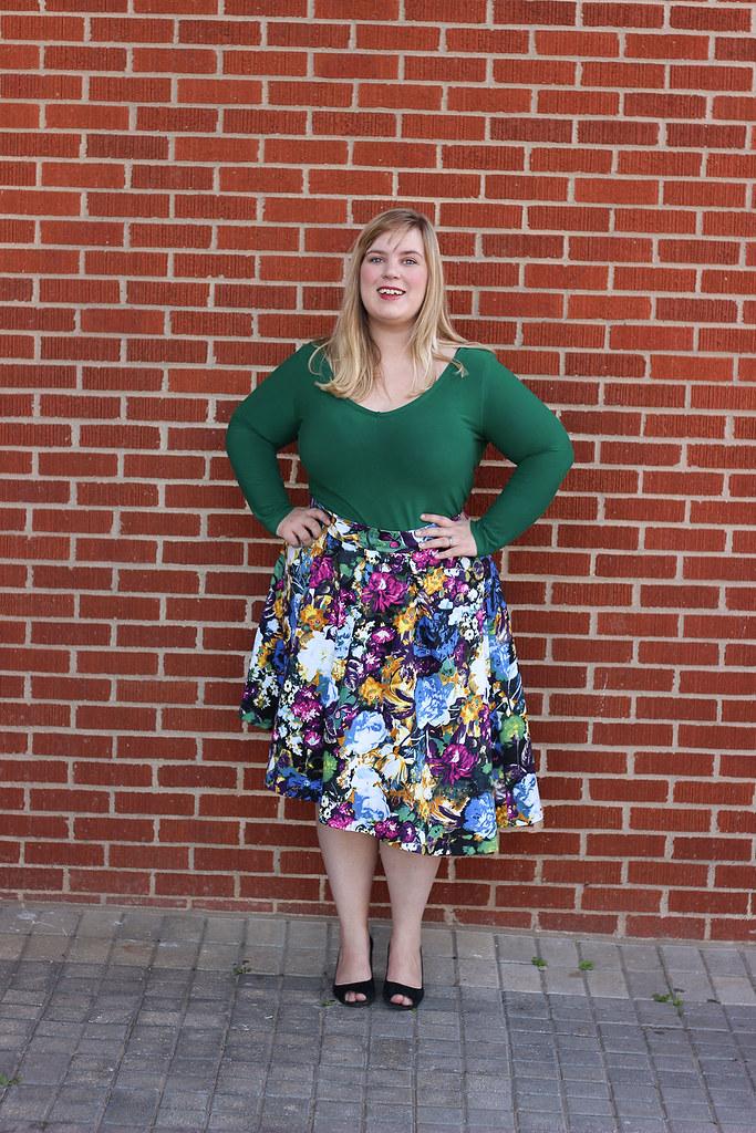 Idle Fancy - Asymmetrical Floral Skirt with Mood Fabrics - KnipMode 10-2015-2044