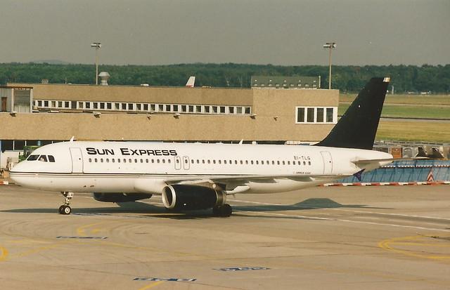 FRANKFURT JUNE 1995 SUN EXPRESS AIRBUS A320 EI-TLG
