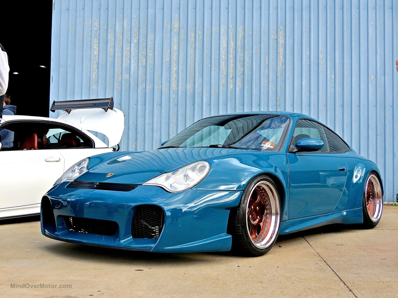 Stanced Porsche 911 Carrera 996