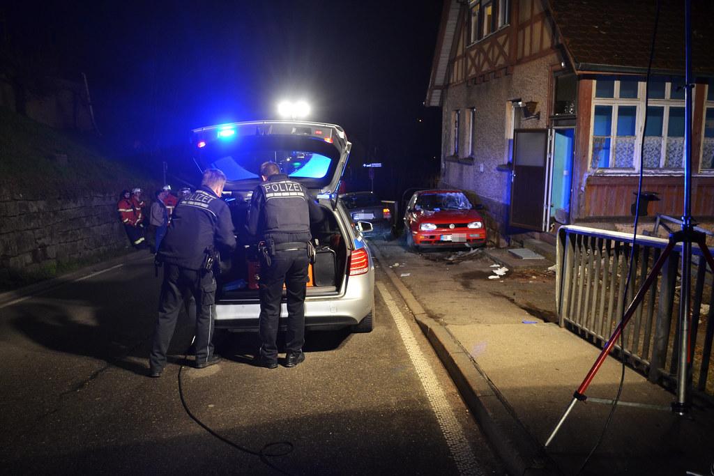Bad Liebenzell: PKW erfasst Fußgänger am Bürgersteig - 19.03.2016