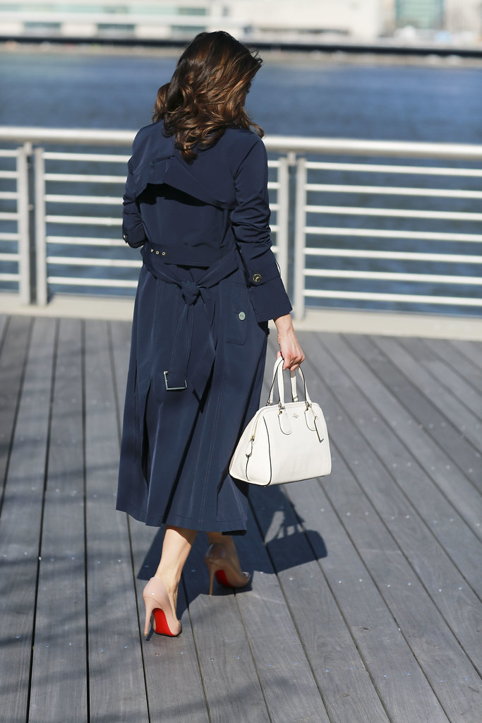 Worth-New-York-Business-Style-Office-Outfit-Workwear-Trench-Coat5