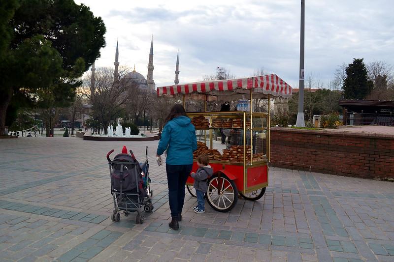 "Carrito con el pan turco ""Simit"""