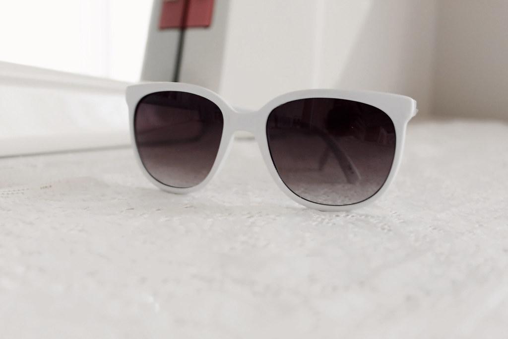 2204-forever-21-white-sunglasses