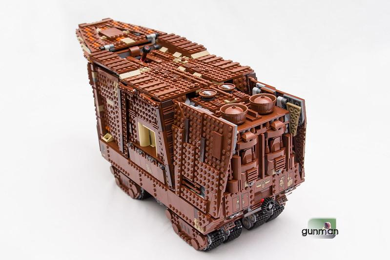 ThebrickReview:LEGO 75059-1 UCS Sandcrawler 23652725554_c611799b29_c