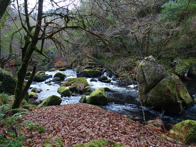 Río Mandeo en la Ruta de As Pías a Zarzo