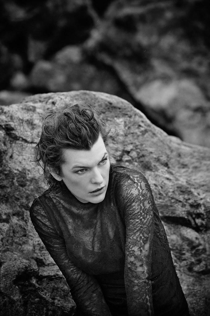 Милла Йовович — Фотосессия для «Harper's Bazaar» ES 2016 – 9