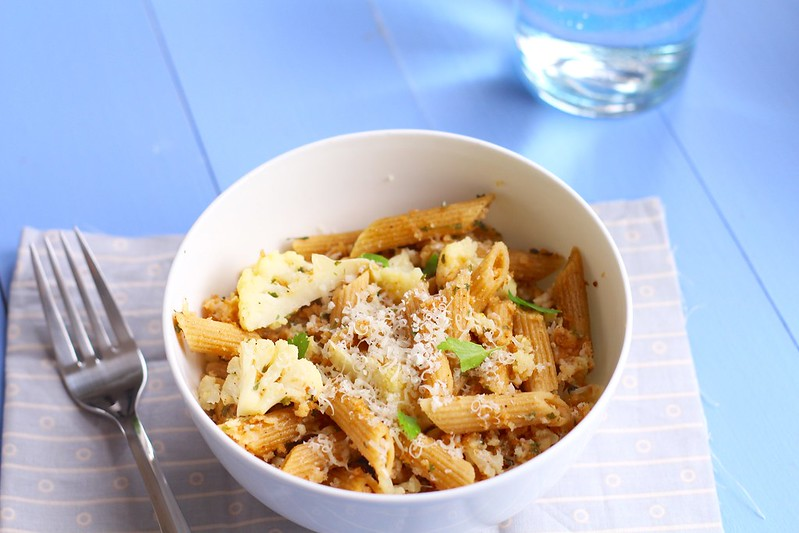 Roasted Cauliflower Pasta with Garlic Breadcrumbs