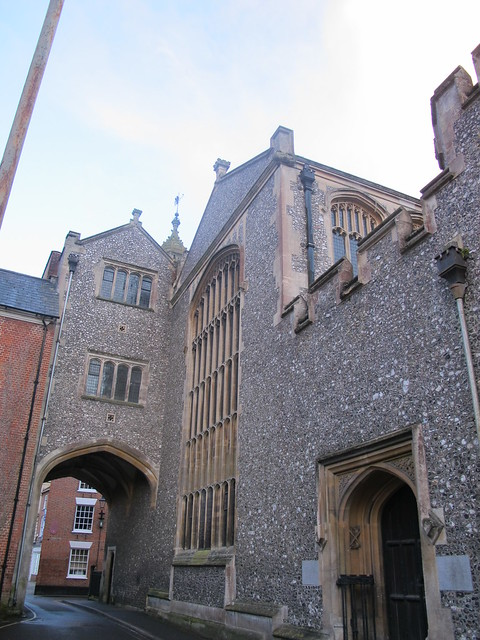 Abbey United Reformed Church, Romsey, with Gateway