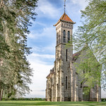 29. Aprill 2016 - 18:15 - Pour une fois une église moderne, l'église Sainte Madeleine de La Boulaye en Saône et Loire date de 1904. En ce qui me concerne je la trouve jolie.