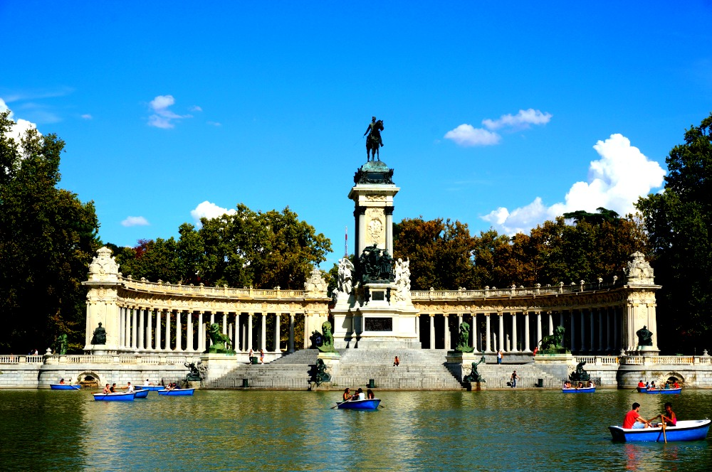 Buen Retiro Lake Madrid Spain