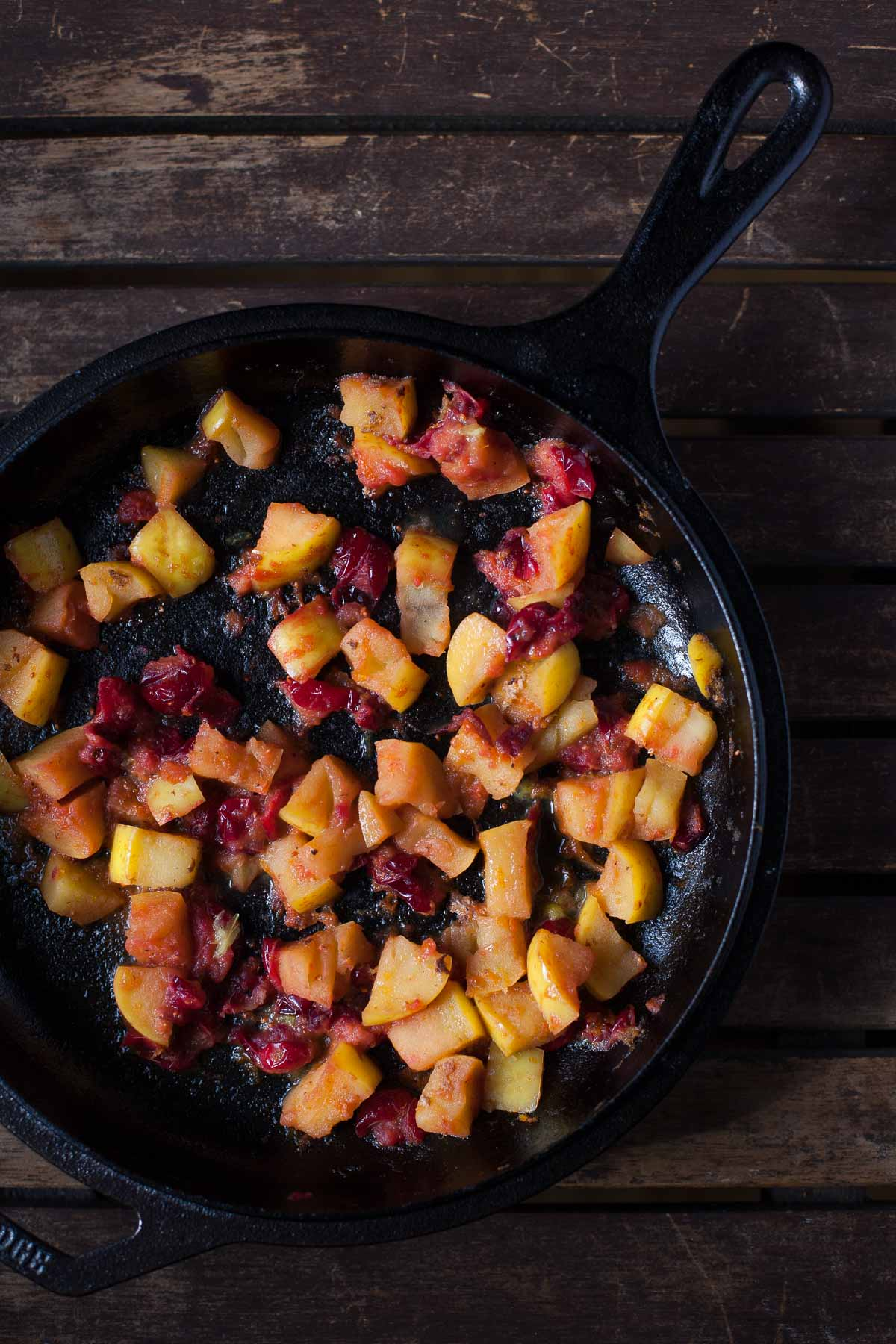Cranberry-Apple Compote (Paleo, Whole30) | acalculatedwhisk.com