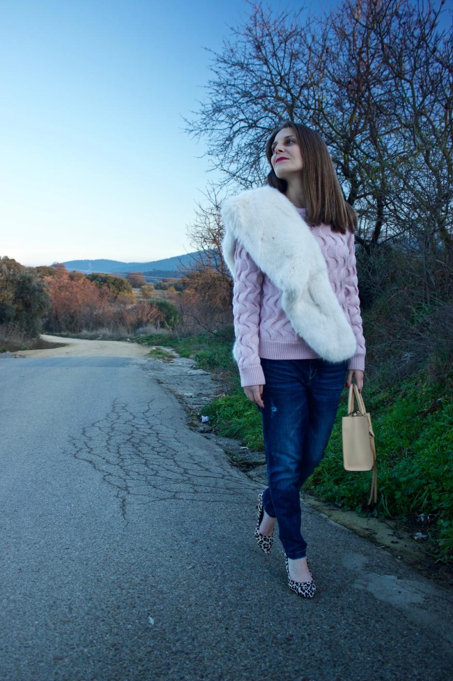 lara-vazquez-mad-lula-style-fashion-blog-moda-streetstyle-look-chic-jeans-heels-leopard