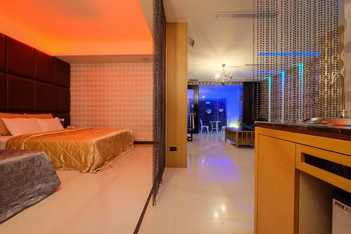 台南平價休息推薦‧房型多變又舒服的媜13汽車旅館_房型110 (10)