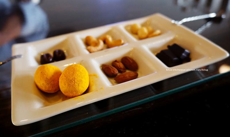 【台中南區】可可蛙Kakawa台灣精品可可Fino Cacao-每人200元一壺咖啡和可可及堅果.寵物友善自備外出袋.歡迎導盲犬.公共資訊圖書館旁