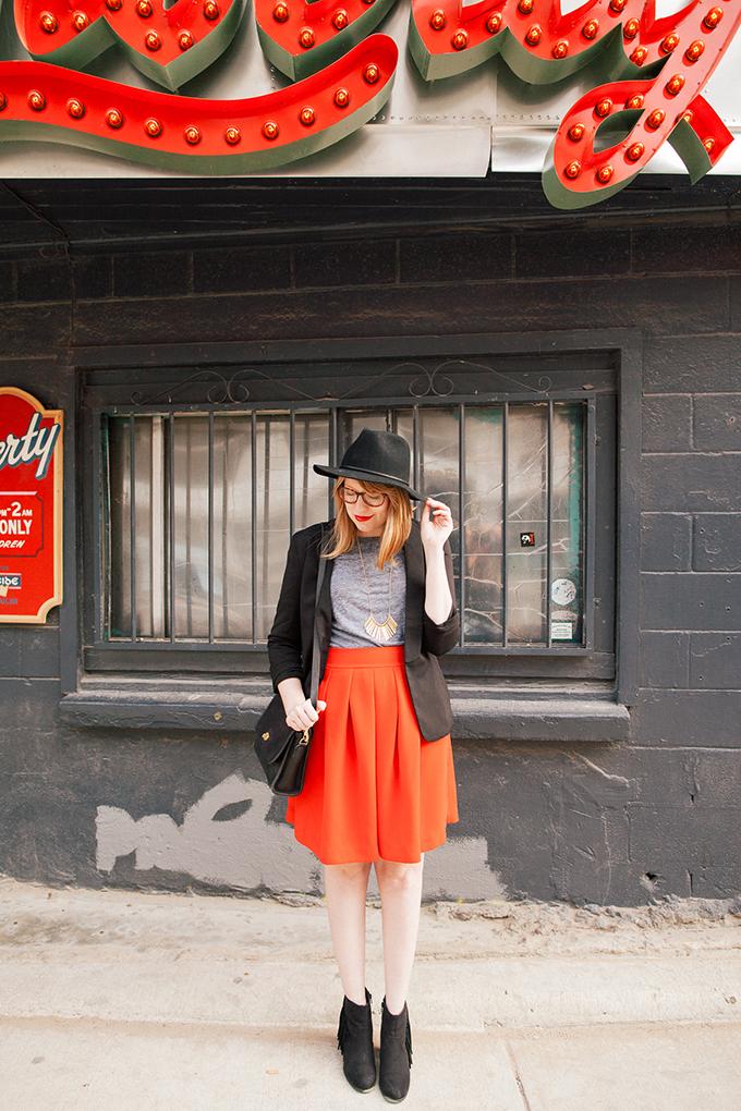 red-skirt-black-hat2