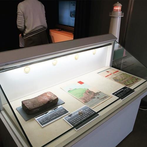 読み聞かせだけでなく、きちんと関連した展示も用意するのはさすが。しかも、設営もその場で素早くあっという間に組み上げてたのもすごかった。 #船の科学館