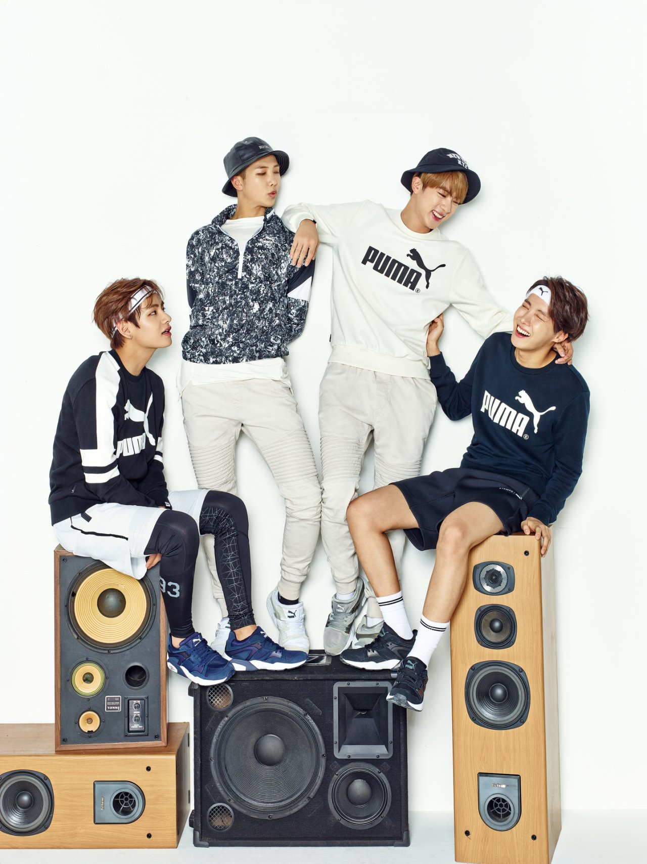 Channel 4 additionally Picture Bts X Puma Blaze time 160202 furthermore Picture Bts X Sk Tele  Studio Filming Cut 160305 in addition 201343 2003 Highlander Premium Sound Jbl together with 96693 Vintage Radio Transistor. on old time radio dvd